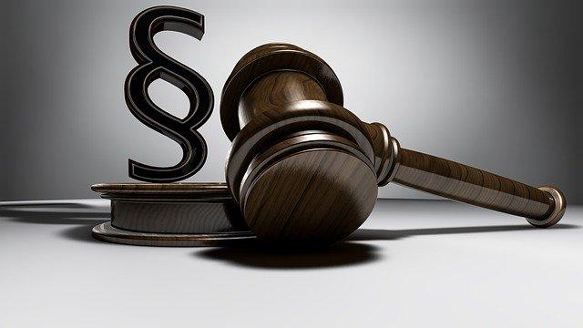 jak wybrać dobrego prawnika